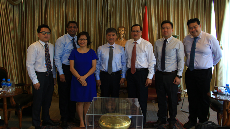Meeting with Vietnam Ambassador to Singapore